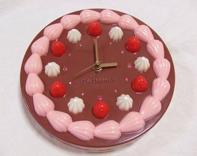 チョコレートケーキの掛け時計