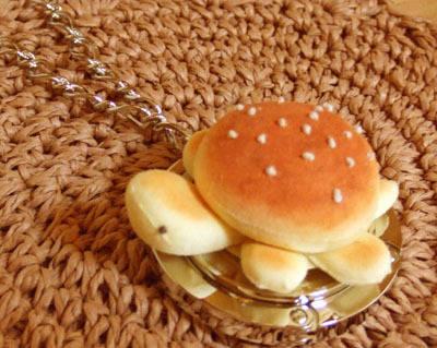 あんパンかめさんのバッグハンガー