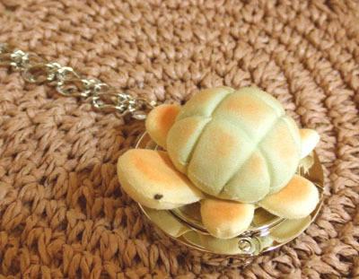 抹茶メロンパンかめさんのバッグハンガー